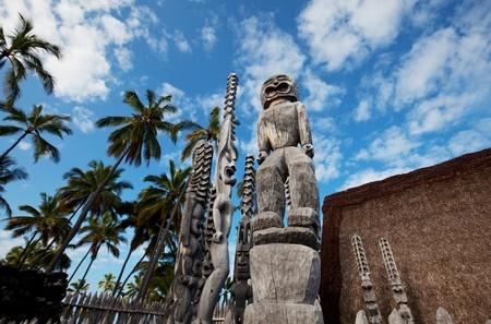 the totem pole: Hawaiian Tiki Stock Photo