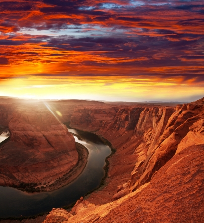 lake powell: Horse Shoe Bend at sunset