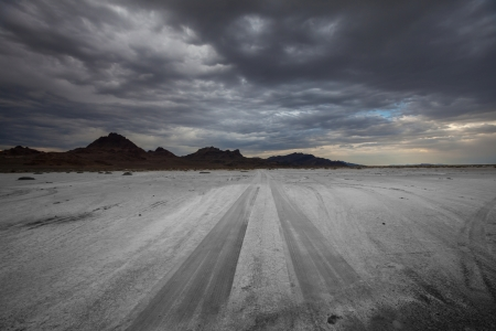 the color of silence: road in desert
