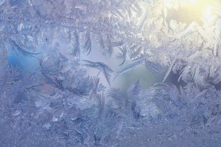 Frozen window pattern Stock Photo - 16961992