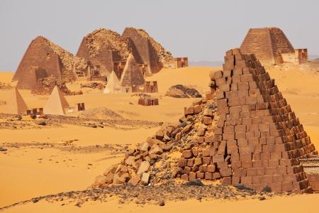 Meroe piramiden in Soedan Stockfoto