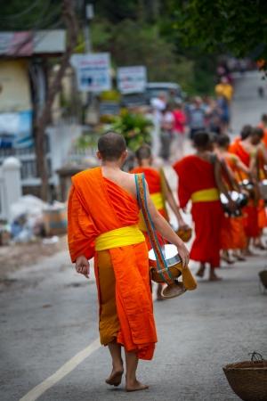 buddhist monk: buddhist monks in Laos