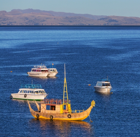 Lago Titicaca en Bolivia photo