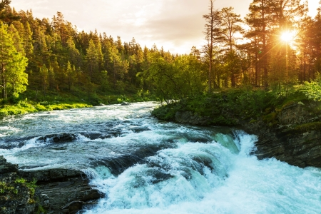 flowing river: River in Norway