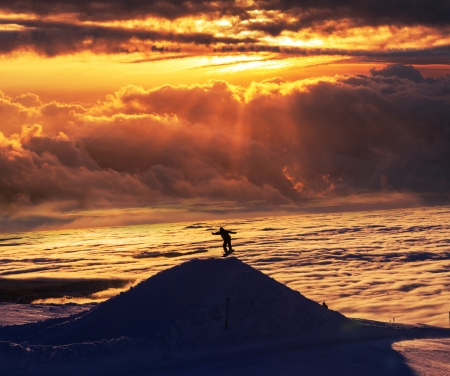 Snowboarder silhouette photo