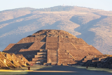 pyramid peak: Pyramid of the Sun  Teotihuacan  Mexico