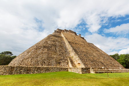 riviera maya: Mayan pyramid in Uxmal, Yucatan, Mexico
