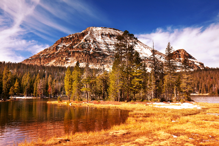 america countryside: autumn lake
