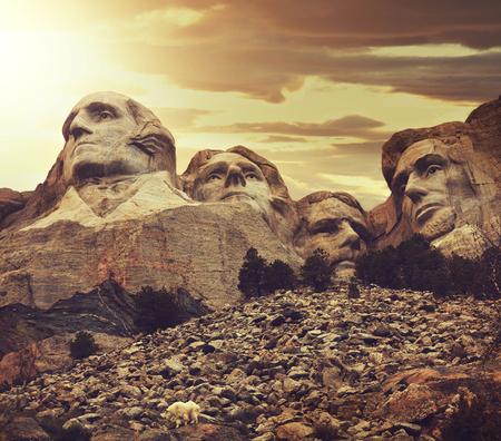 george washington statue: Mount Rushmore