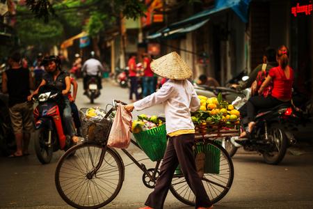 straatverkoper in Hanoi, Vietnam