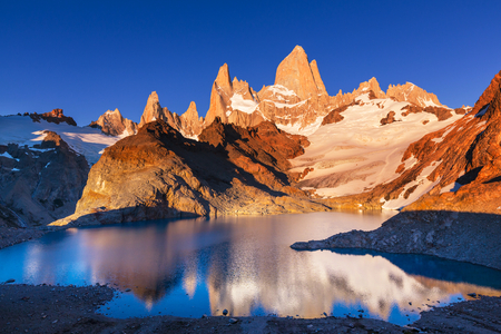 fitz roy: Mount Fitz Roy  in Los Glaciares National Park, Argentina Stock Photo