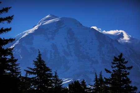 cascade mountains: Mount Rainier national park, Washington