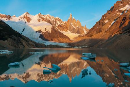 lake argentina: Cerro Torre in Argentina