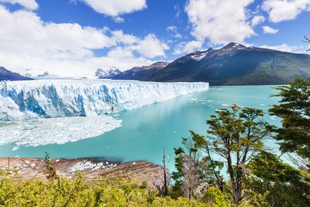 Perito Moreno glacier in  Argentina photo