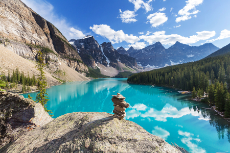 landschap: Mooie Moraine meer in Banff National Park, Canada
