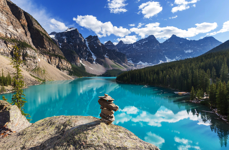 banff: Beautiful Moraine lake in Banff National park, Canada