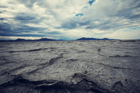flat earth: Salt desert in Utan, Bonneville