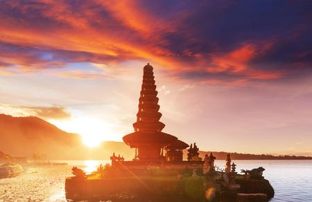 ulun: Pura Ulun Danu temple, Bali, Indonesia