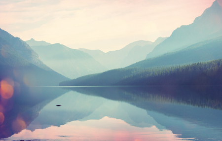 jezior: Glacier National Park, Montana, USA