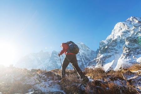Hiker in Himalayas mountain. Nepal Reklamní fotografie