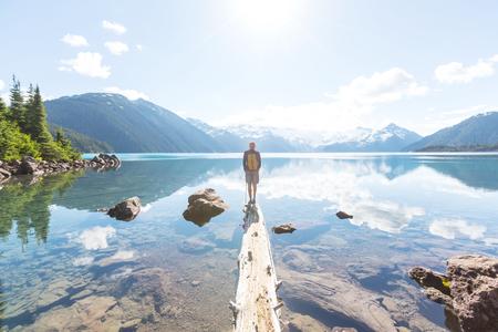 Escursione sul Lago Garibaldi vicino a Whistler, BC, Canada.