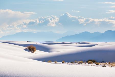 Unusual White Sand Dunes à White Sands National Monument, Nouveau-Mexique, États-Unis Banque d'images - 67068613