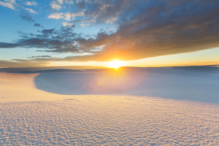 alamogordo: Unusual White Sand Dunes at White Sands National Monument, New Mexico, USA
