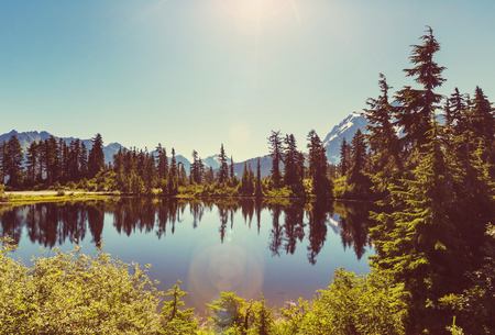 Scenic Picture lake with mount Shuksan reflection in Washington, USA Stock fotó
