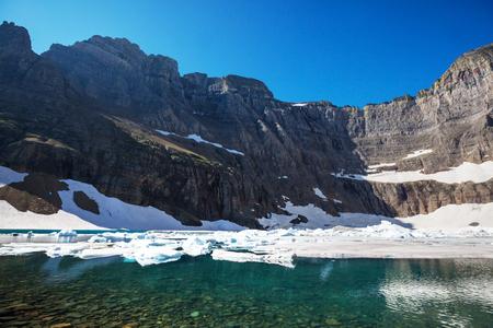 글 래시 어 파크, 몬타나의 빙산 호수 스톡 콘텐츠