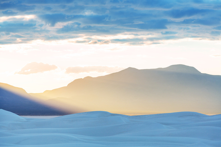 Unusual White Sand Dunes at White Sands National Monument, New Mexico, USA Banque d'images - 115851784