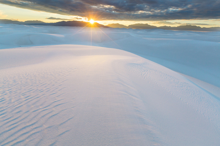 Unusual White Sand Dunes at White Sands National Monument, New Mexico, USA Banque d'images - 116187950
