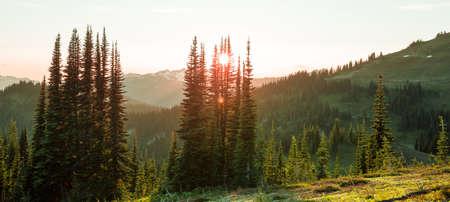Beautiful mountain peak in North Cascade Range, Washington, USA Imagens