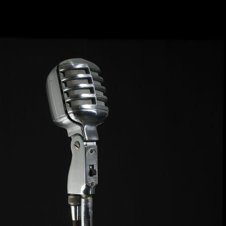 Vintage Mikrofon (schwarzer Hintergrund und kopieren Sie Leerzeichen)  Lizenzfreie Bilder