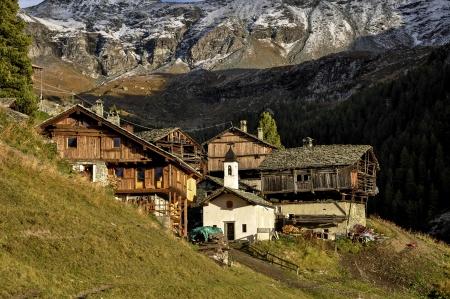 outumn: Cuneaz, Walser village in Ayas