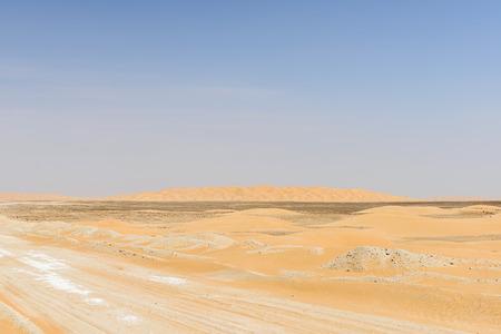 to rub: Dirt road in Rub al-Khali desert, Dhofar region  Oman