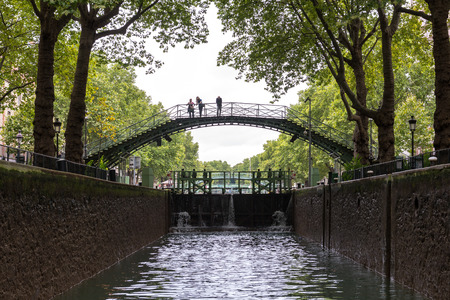 saint martin: Bridge and lock on the canal of Saint Martin, Paris (France)