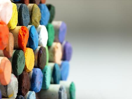colores pastel: L�pices de colores pastel. El espectro visible de colores. Dispuestos en un bloque.