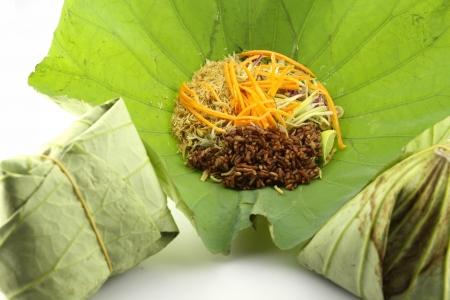 lotus leaf: Precision herbal rice wrapped in lotus leaf