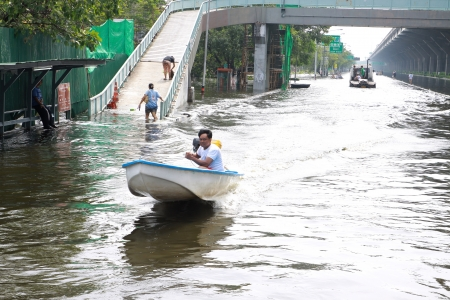 inundated: BANGKOK, THAILAND - NOVEMBER 12 : Thai flood hits Central of Thailand, higher water levels expected, during the worst flooding in decades on November 12,2011 Bangkok, Thailand. Editorial