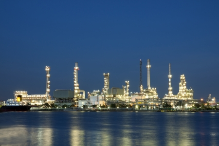 petrochemical oil refinery factory pipeline at  twilight Bangkok Thailand  스톡 콘텐츠