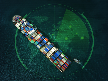 Porte-conteneurs dans les activités d'exportation et d'importation et la logistique dans l'océan. Transport par eau International. Vue aérienne