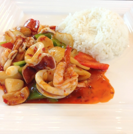 hot asian: Calamar mariscos picante con chiles
