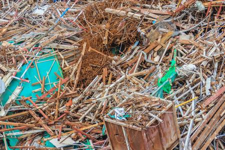 建設現場から残っているバー スクラップやリサイクルのための救助として販売することができます。