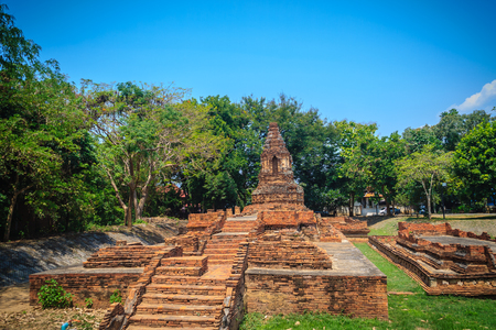 Wat Pu Pia (Temple of Old Man Pia), one of the ruined temples in Wiang Kum Kam, an historic settlement and archaeological site that built by King Mangrai the Great since 13th century, Chiang Mai. Banco de Imagens