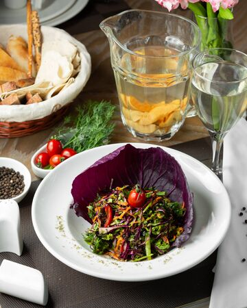 Vegetable salad with red cabbage