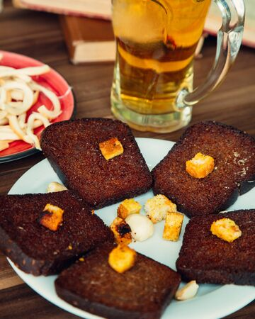 fried black bread with garlic and beer Stok Fotoğraf