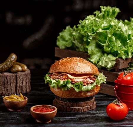 hamburger with doner meat and cheese