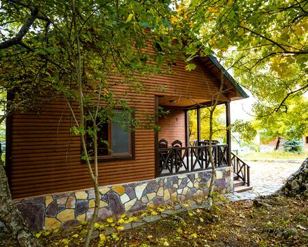 gorgeous wooden house in the forest Stok Fotoğraf - 134747671