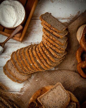 sliced bread topped with sesame seeds Stok Fotoğraf - 134747499