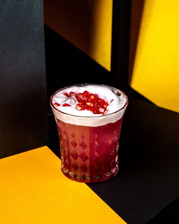 pomegranate juice filled with pomegranate and ice Stok Fotoğraf - 134747434